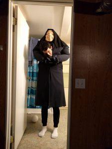 Der erste Versuch, Milos Kostüm zu verwirklichen. An Halloween selbst habe ich leider komplett vergessen, Fotos zu machen, weswegen ich auch keins von meinem endgültigen Kostüm habe.