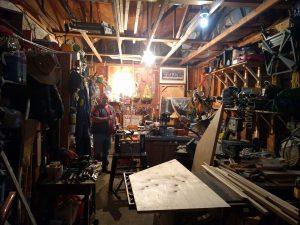 Gordons Werkstatt in der Garage.