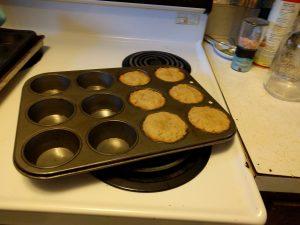 Diese Muffins haben Milo und ich am Wochenende gebacken, da Milo ein einfaches Rezept gefunden hatte...